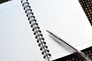 手書きやメールの日報から、クラウドサービスを選択する理由