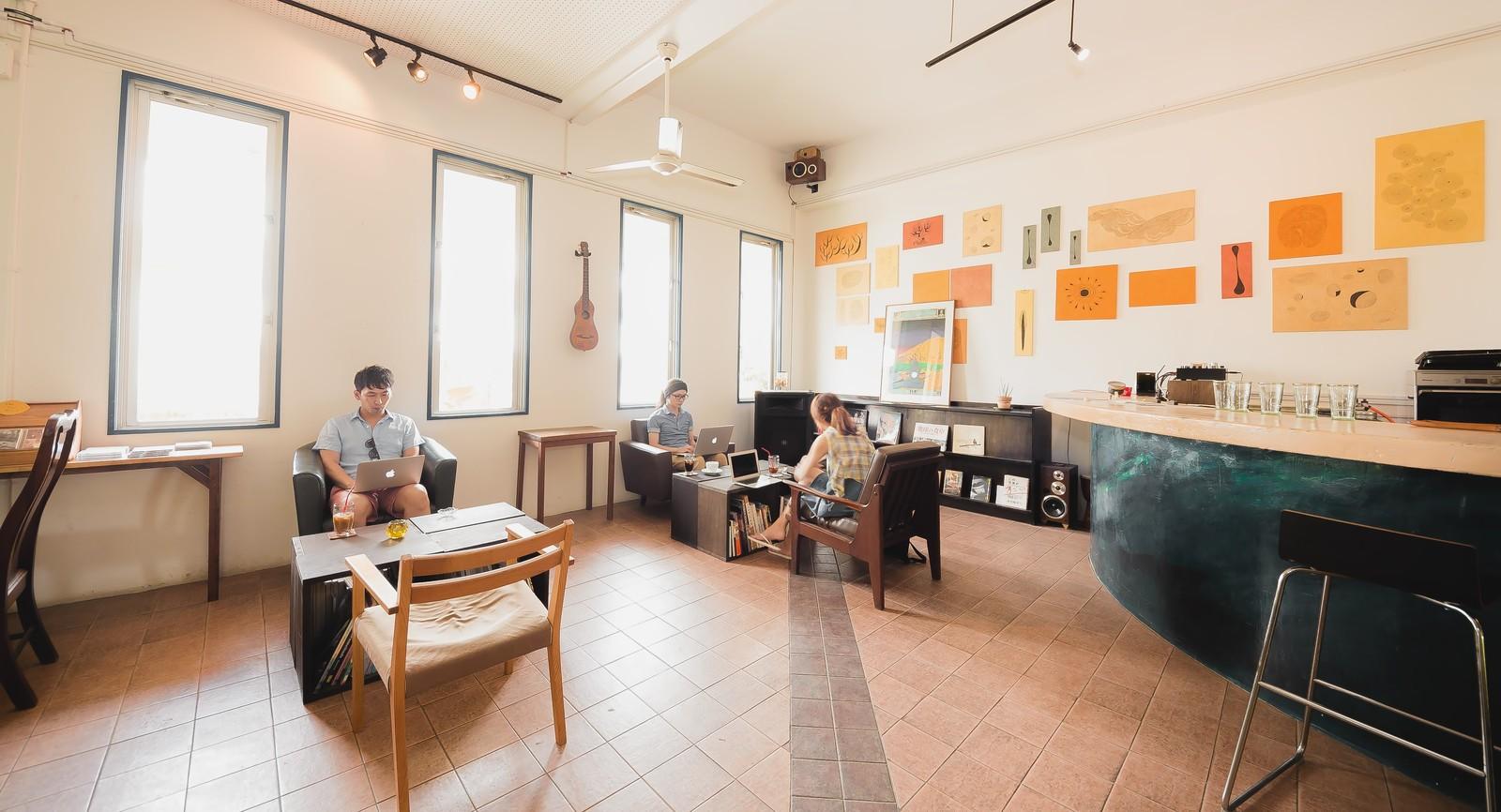 働く場所の画像